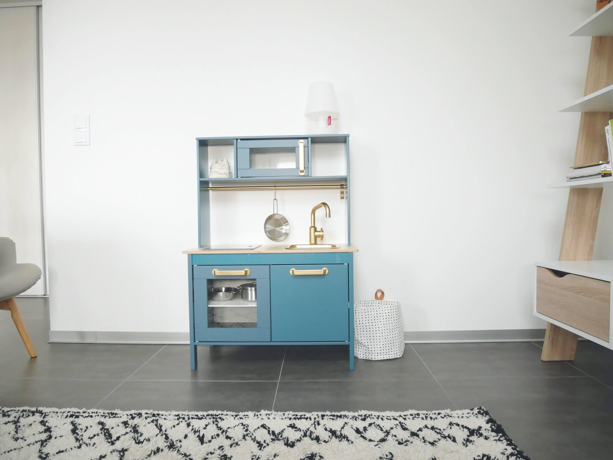 diy pimp my duktig le relooking de la cuisine enfant d 39 ikea. Black Bedroom Furniture Sets. Home Design Ideas