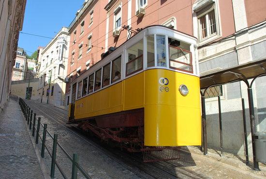 Voyage à Lisbonne avec bébé Elevador da Gloria